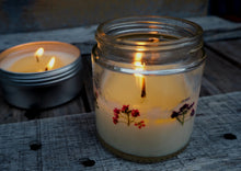 Load image into Gallery viewer, Essential Oil Blends (Mixed) - 4oz (20-25hrs) - Pressed Flower Soy Candle