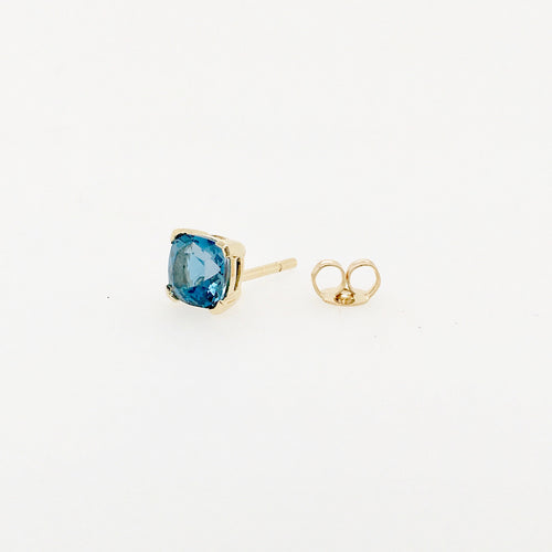 9ct yellow gold  6mm london blue topaz stud earrings.