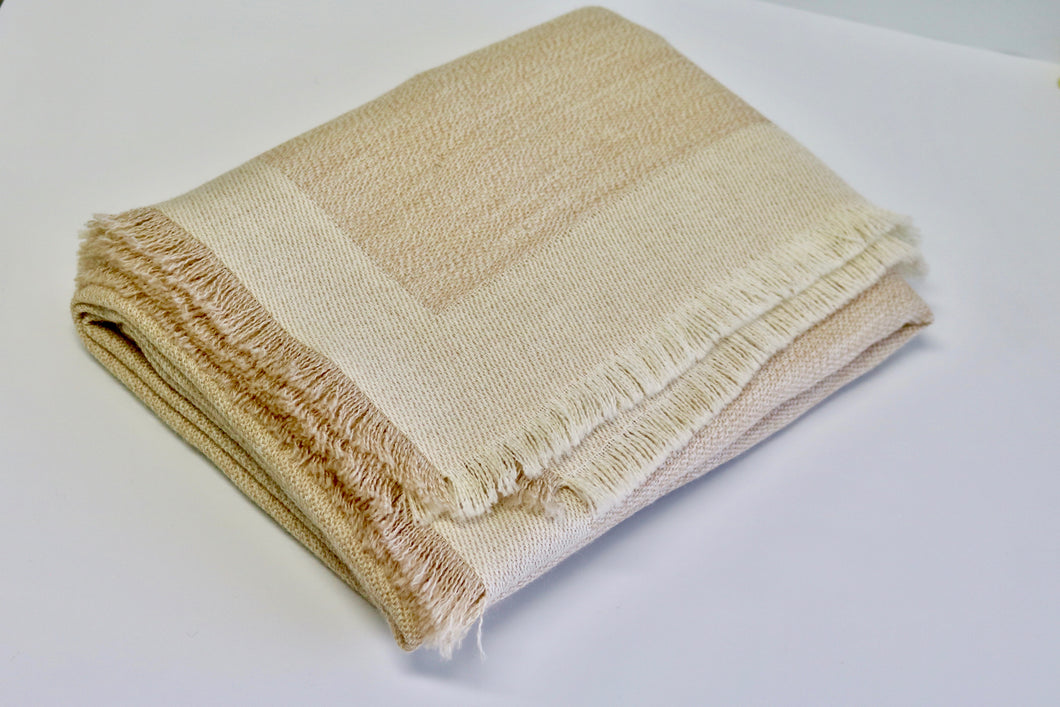 alicia peru classic baby alpaca room throw - sand