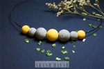 Choker necklace - 7 beads - Yellow-Gray