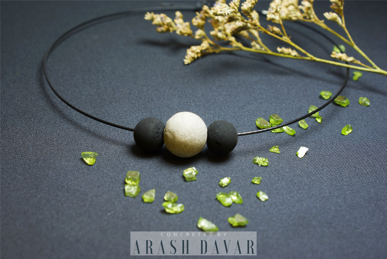 Choker Necklace - 3 Beads - Black-Gray