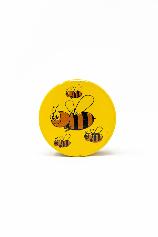 Gold 4 pc Magnetic Yellow Bumble Bee Metal Grinder w/ Sharp Teeth