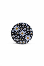 Black 4 Piece Magnetic Daisy Metal Grinder w/ Sharp Teeth