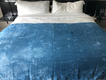 """Santa Fe"" Indigo Shibori Linen Throw"