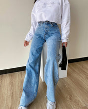Load image into Gallery viewer, Louise High Waisted Loose Denim Jeans