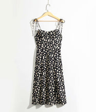 Load image into Gallery viewer, Bonnie Floral Midi Dress