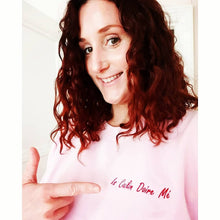 Load image into Gallery viewer, Is Cailín Doire Mé / I am a Derry Girl: Sweatshirt - Beanantees