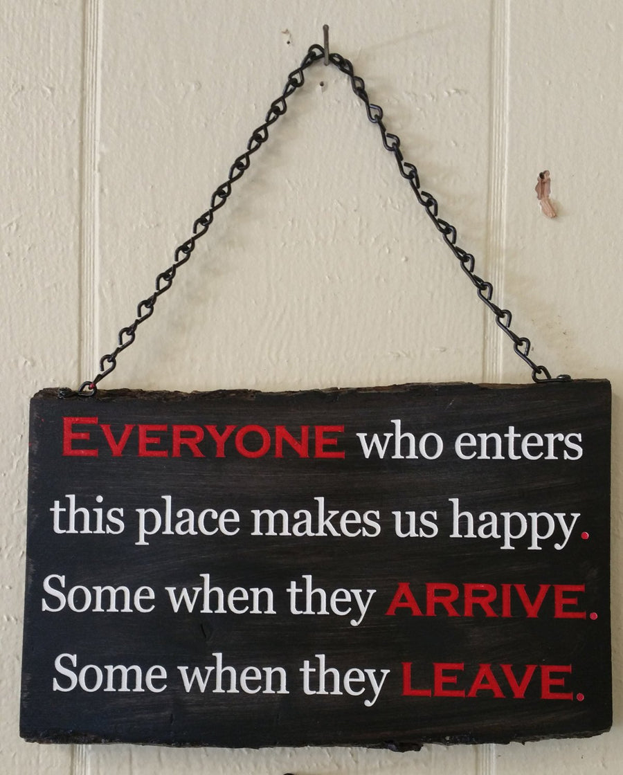 Personalized Pine wood sign with chain (colored text)