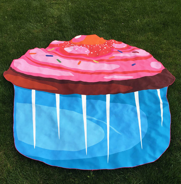 Cupcake Beach Throw