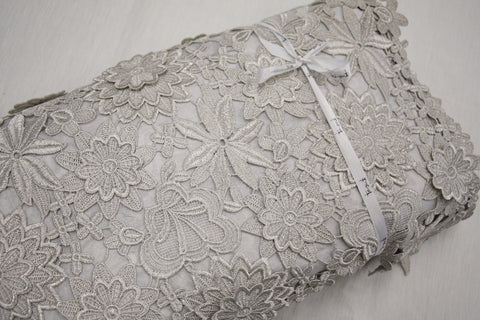 100/% Polyester 112 cms Wide 17 Colours Floral Lace Dress Fabric