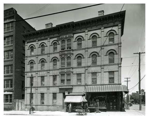 585 Metropolitan Ave  - Williamsburg Brooklyn, NY 1916 Old Vintage Photos and Images