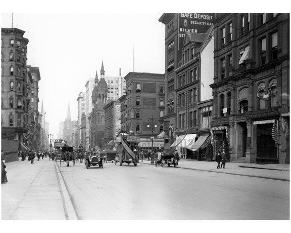 5th Avenue & 42nd Street - looking north - 1918 Old Vintage Photos and Images