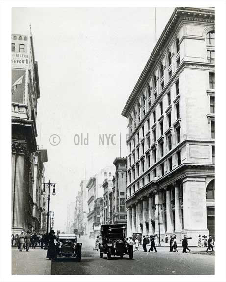 5th Avenue North to 34th Street Altmans 1914 - Garment District Manhattan - New York, NY Old Vintage Photos and Images