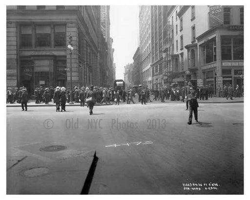 5th Avenue & West 22nd Street - Flatiron District  NY 1915 Old Vintage Photos and Images