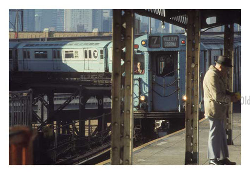 7 line approaching the platform at Queens Blvd. Old Vintage Photos and Images