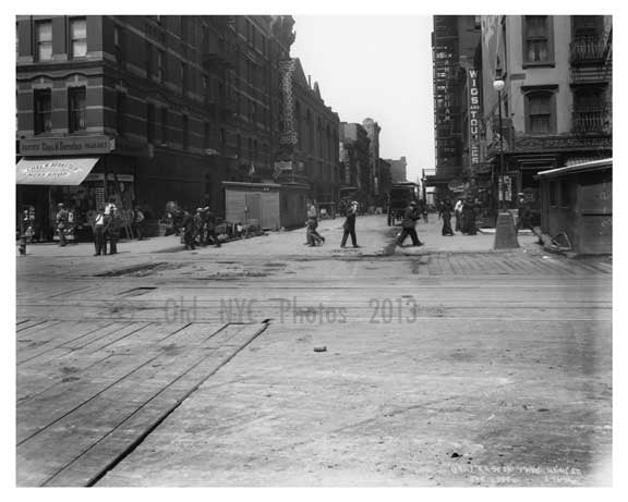 7th Avenue between 40th & 41st Streets  - Midtown Manhattan - 1915 Old Vintage Photos and Images