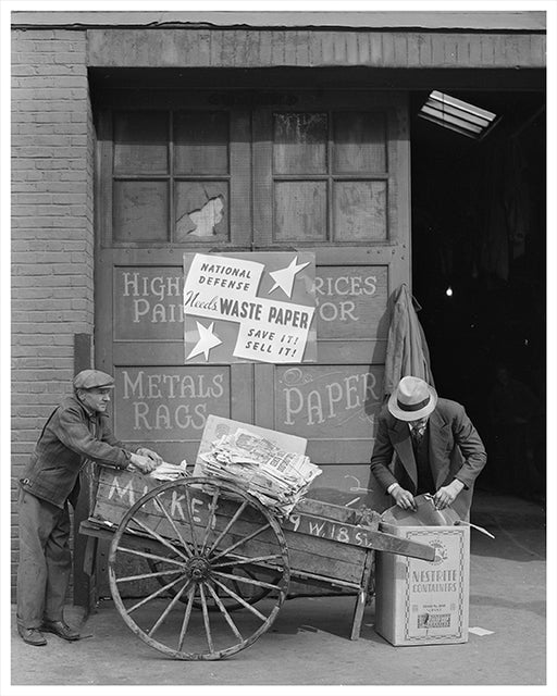 Junk men with waster paper, Manhattan NYC 1941