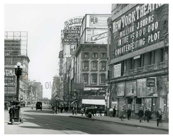 A close up of 7th Avenue between  44th & 45th Streets - Midtown - Manhattan  1914 Old Vintage Photos and Images