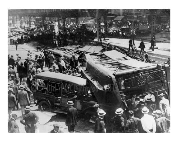 A Myrtle Ave El train collided with a 5th Ave El train early 1900s  -Boerum Hill-  Brooklyn NYC Old Vintage Photos and Images