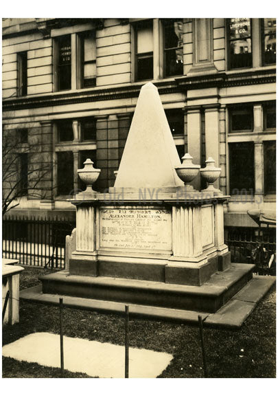 Alexander Hamilton Tomb - Trinity Church Yard 1915 Old Vintage Photos and Images