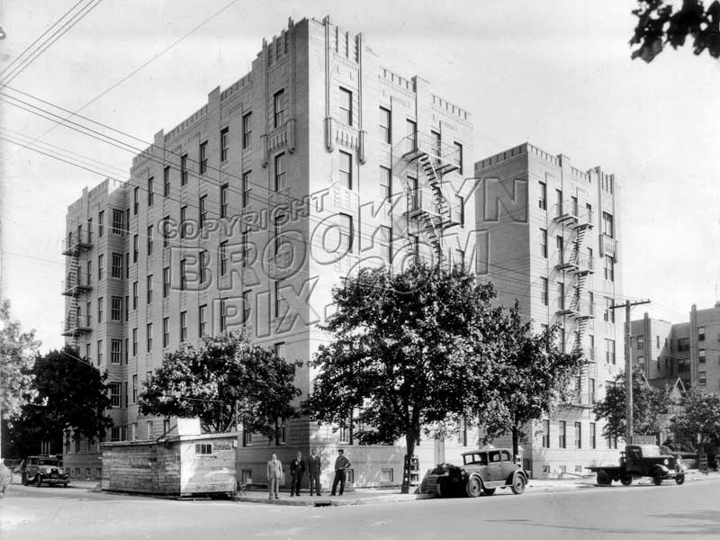 Art Deco apartment house southwast corner Avenue P and West 4th Street, 1935 Old Vintage Photos and Images