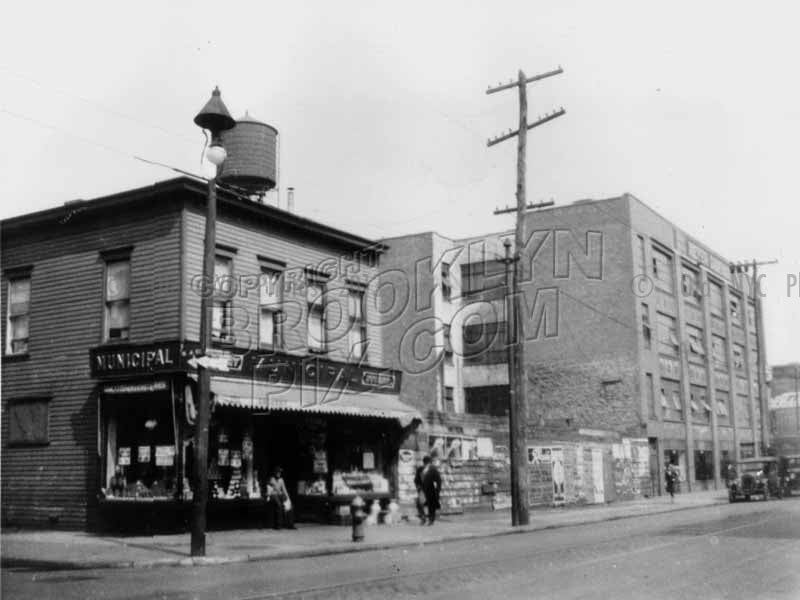 Bedford Avenue at North 4th Street, 1929 Old Vintage Photos and Images