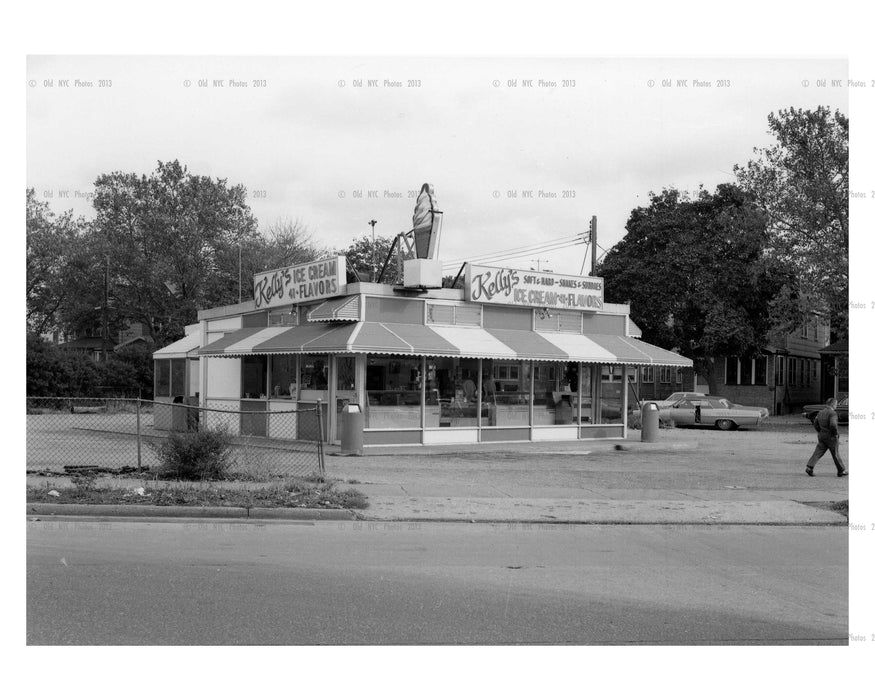 "North east ""corner"" entrance to C.I.Parkway from Jamaica Ave - 1964 Bellerose Kelly's Ice cream & now a bank sits there- Bellerose - Queens NY"