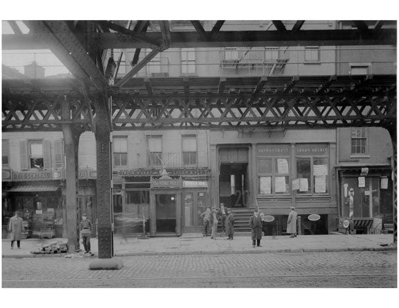 Bowery - between 3rd & 4th street November  1915 Old Vintage Photos and Images