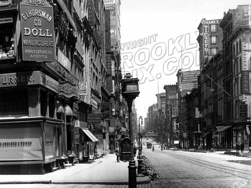 Broadway north at Franklin Street, 1912 Old Vintage Photos and Images
