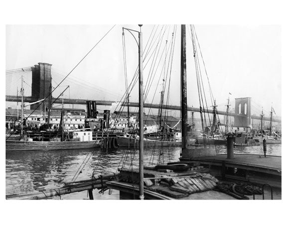 Brooklyn Bridge  beyond the ships Old Vintage Photos and Images