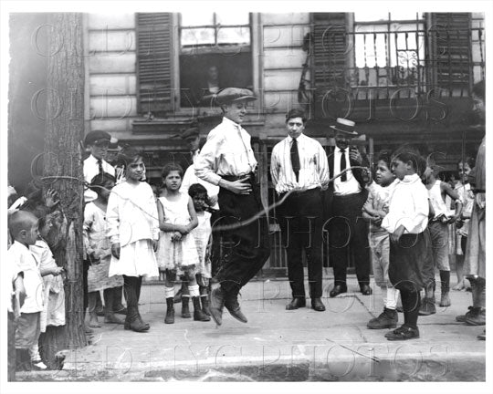 Brooklyn Children jump rope 1925 Old Vintage Photos and Images