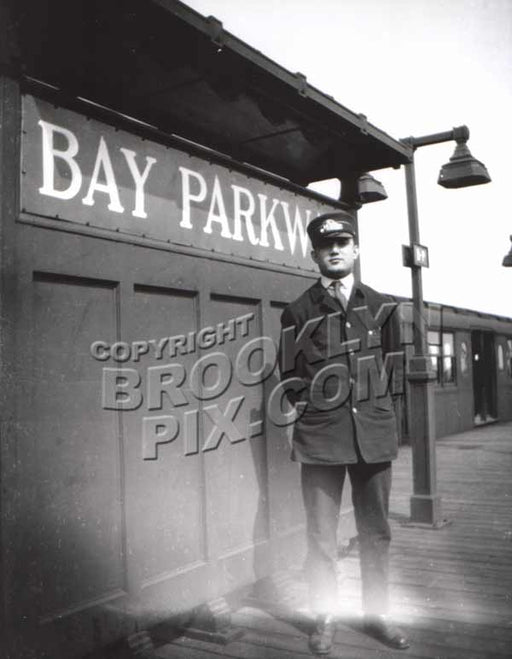 Brooklyn Rapid Transit trainman on elevated platform during WWI