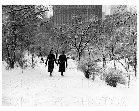 Central Park first snow fall mantle of white Manhattan NYC 1938 Old Vintage Photos and Images
