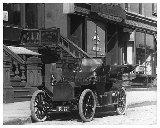 Classic Car parked on Lexington Avenue 1911 - Upper East Side, Manhattan - NYC I Old Vintage Photos and Images