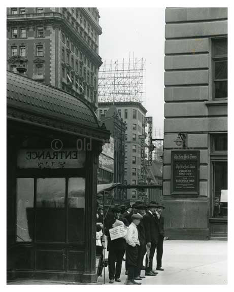close up - Times Building - Midtown Manhattan - 1915 Old Vintage Photos and Images
