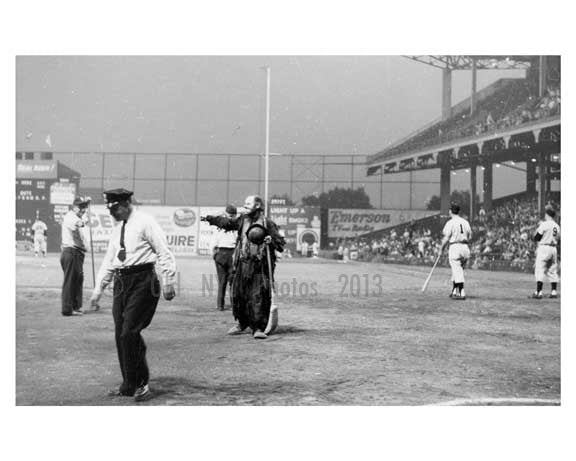 Emmet Kelley Comedy Routine at Ebbets Field - Brooklyn NY 1