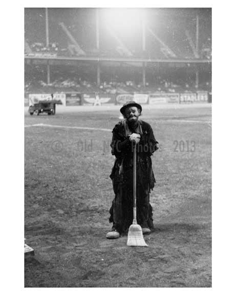 Emmet Kelley Comedy Routine at Ebbets Field - Brooklyn NY 4