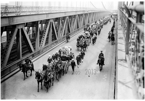 Funeral - Vera Cruz victims - crossing Manhattan Bridge Old Vintage Photos and Images