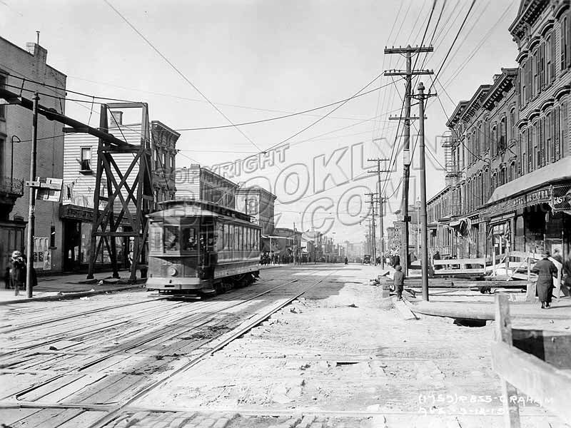 Graham Avenue north from Metropolitan Avenue, 1919 Old Vintage Photos and Images