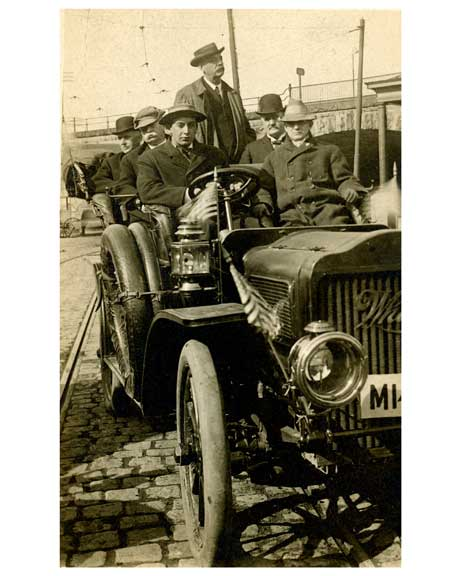 Guys joy riding in Queens in the 1930s Old Vintage Photos and Images