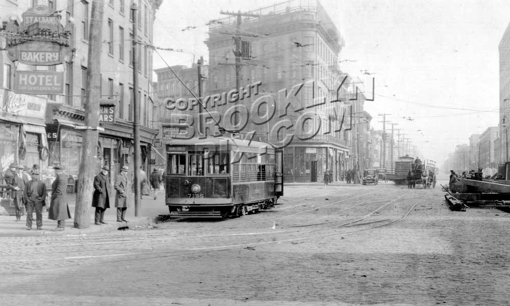 Hamilton Avenue looking southeast from Hamilton Ferry to Union Street, 1924 A Old Vintage Photos and Images
