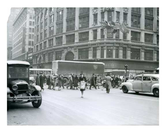 Herald Sq 34th Street  - Midtown Manhattan 1946 - NYC Old Vintage Photos and Images