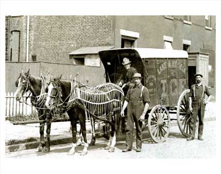Horse-drawn ice delivery wagon - 1910 Old Vintage Photos and Images