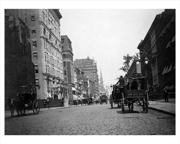 Horse & Wagons line the streets on West 29th & 5th Avenue Flatiron District 1896  NYC Old Vintage Photos and Images