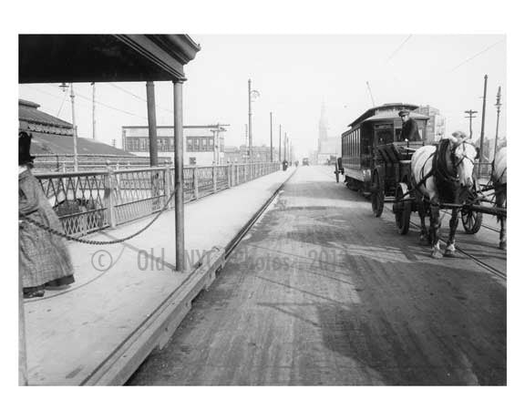 Hunters Point shuttle line - Vernon Ave Bridge - Long Island City - Queens, NY Old Vintage Photos and Images