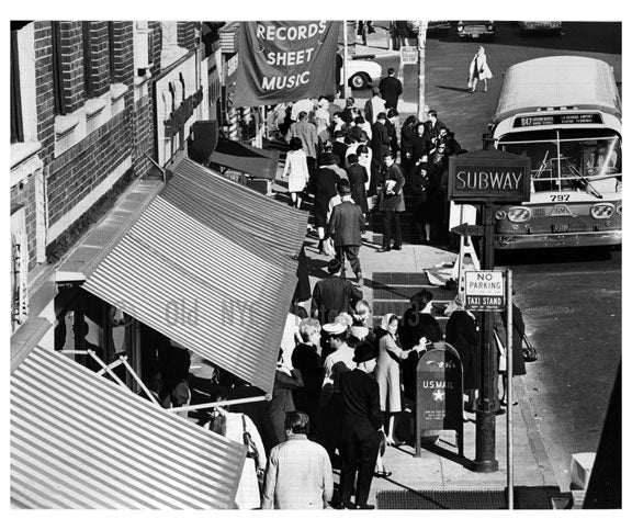 Jackson Heights street scene as seen from rooftop Old Vintage Photos and Images