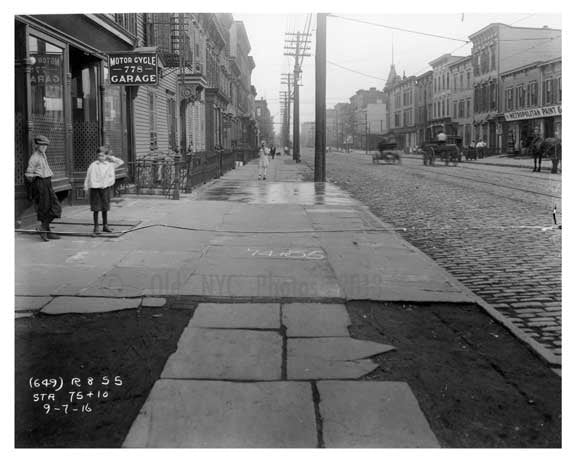 Kids playing on Metropolitan  Avenue  - Williamsburg - Brooklyn, NY 1916 Old Vintage Photos and Images
