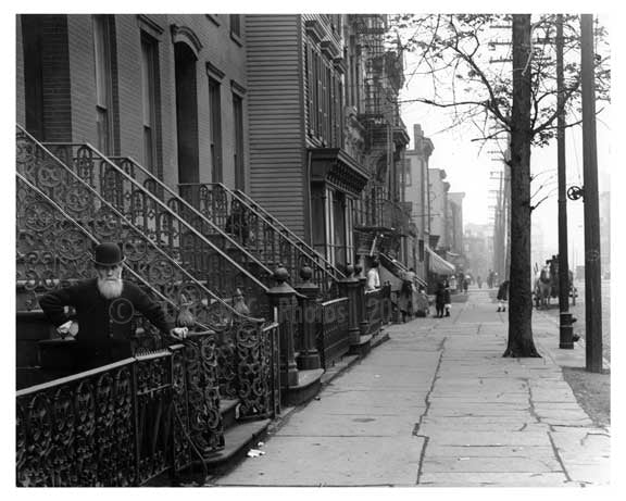Leonard Street - Williamsburg - Brooklyn, NY 1916 III Old Vintage Photos and Images