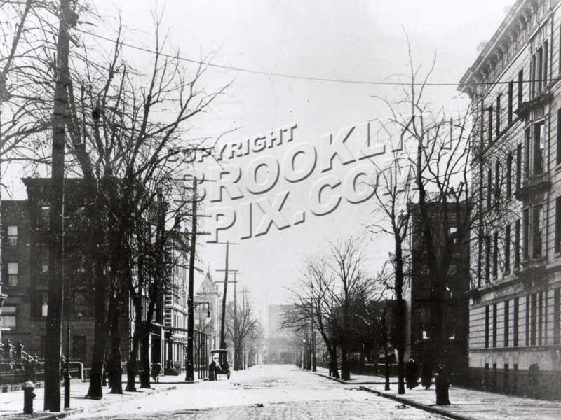 Lewis Avenue looking south from Macon Street to McDonough Street, 1912