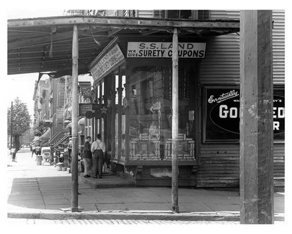 Metropolitan  Avenue  - Williamsburg - Brooklyn, NY 1916 II Old Vintage Photos and Images